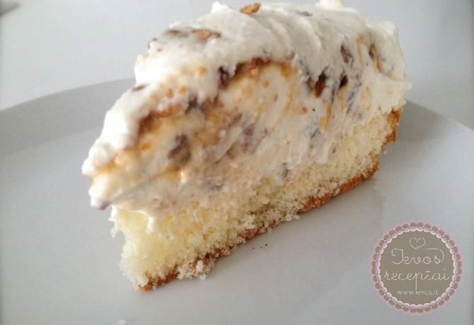 Nekeptas Snickers tortas