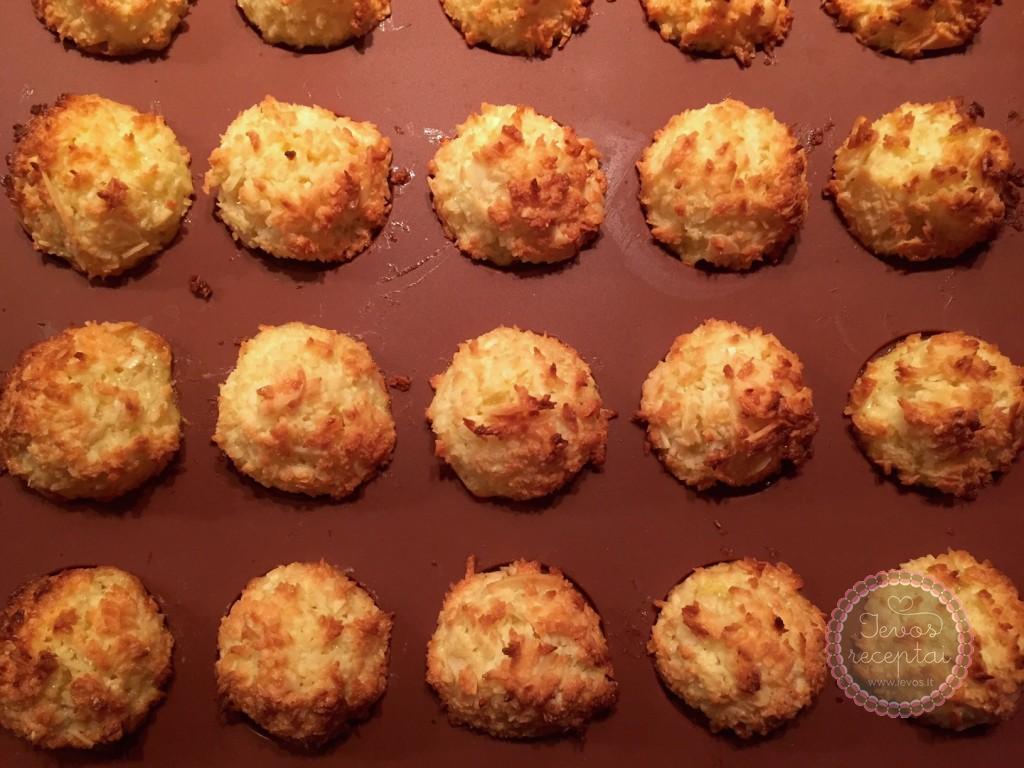 Kokosiniai pyragėliai